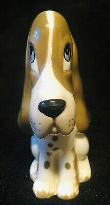 SZIELER MODEL OF A DOG  8cm. • 35£