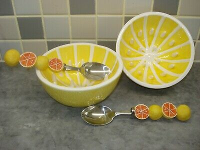 2 China Grapefruit Dishes And Spoons. • 12.99£