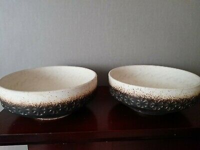 Pair Of Iden Pottery Rye Bowl In Brown • 5£