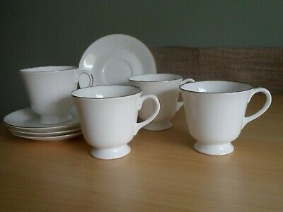 Royal Worcester Fine Bone China Strathmore Tea Cups And Saucers  • 8£