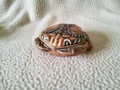 """Crab Lidded Trinket Pot, Wade Porcelain 1"""" Tall X 4"""" Wide, Excellent Condition. • 8£"""