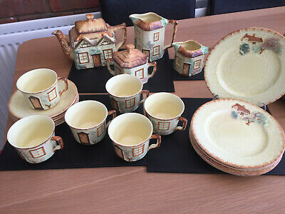A Lovely Cottage Tea Set • 20£