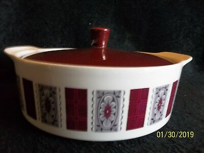 J  & G Meakin Studio Celebrity Lidded Server • 7.50£