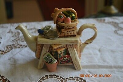 Lovely Small  Cardew Teapot   Gardeners Table   • 17.99£