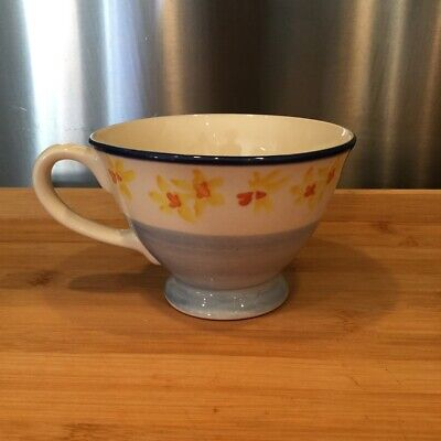 LAURA ASHLEY Hand Decorated Cup DAFFODILS • 7£