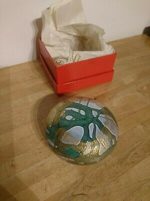A Large Isle Of Wight Studio Glass Paperweight - Complete With Sticker & Boxed  • 31.99£