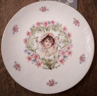 Royal Doulton Valentine Plate 1984 • 5£