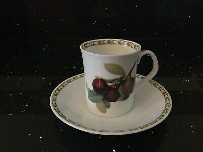 Queens Hookers Coffee Cup And Saucer • 5£