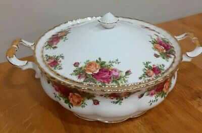 ROYAL ALBERT OLD COUNTRY ROSES LIDDED VEGETABLE DISH/TUREEN Seconds • 27£