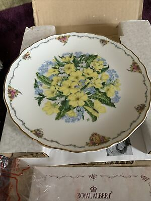 Royal Albert  Primroses  Queen Mothers Favourite Flowers Plate. • 9.99£