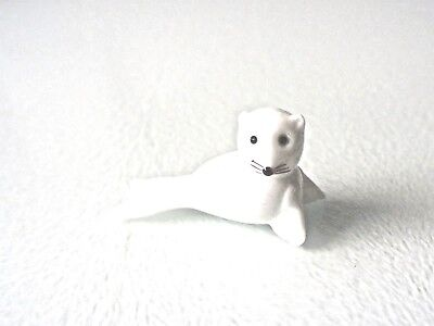 Seal Glass Ornament - Pure White Glass - Nicely Detailed - New & Boxed • 5.49£