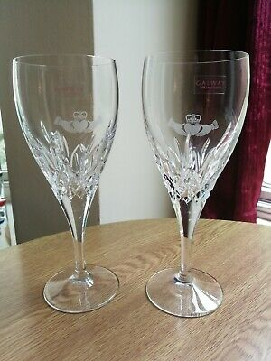 Galway Crystal Claddagh 2 X Large Friendship Wine Glasses Hands On Heart Superb • 32£