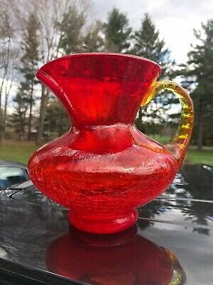 Red CRACKLE GLASS 7 1/4   PITCHER NICE • 17.80£