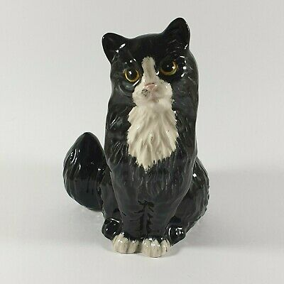 Royal Doulton Cat Seated Black And White Cat Vintage Doulton Cat Figurine • 40£