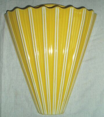 Lovely Sunny Yellow Vintage Art Deco Ribbed Fan Shaped Wall Vase/Wall Pocket • 15£