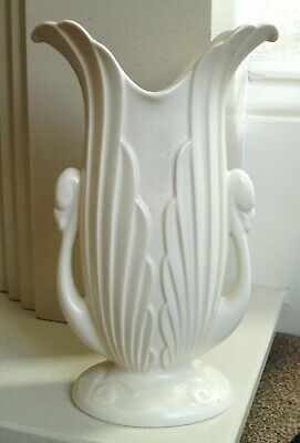 Vintage/Art Deco Beswick Swan Handled Vase - Pattern No 1185  Cream/Ivory Colour • 14£