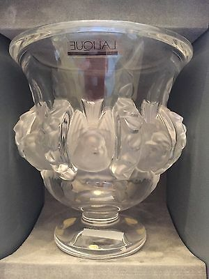 Lalique Glass Vase (OPEN TO SENSIBLE OFFERS) • 495£