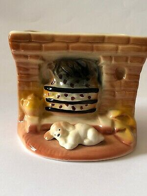 Dog In Front Of Fire - Eastgate Pottery • 6£