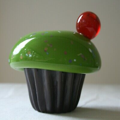 Caithness Glass Green Birthday Cupcake By Sarah Peterson - Signed • 7.50£