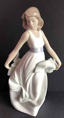 Nao By Lladro WALKING ON AIR - 1343 • 11.50£