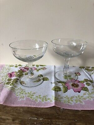 Pretty Pair Vintage Champagne Coupes Etched Bowls Lovely Condition • 12£