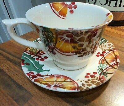 Emma Bridgewater Holly Wreath Large Cup & Saucer • 0.99£