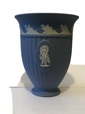 V Large Vase Wedgwood Jasperware • 18£