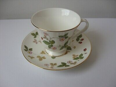 Wedgwood Wild Strawberry Pattern Tea Cup And Saucer • 8£
