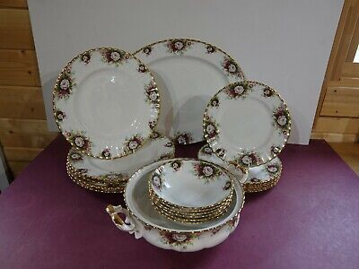Royal Albert Celebration Part Dinner Set • 105£