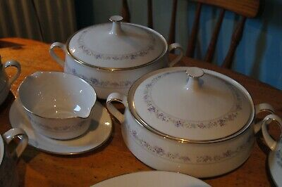 Job Lot Of Noritake Bone China Tea And Dinner Service Blue Green Hill Lilac Time • 120£