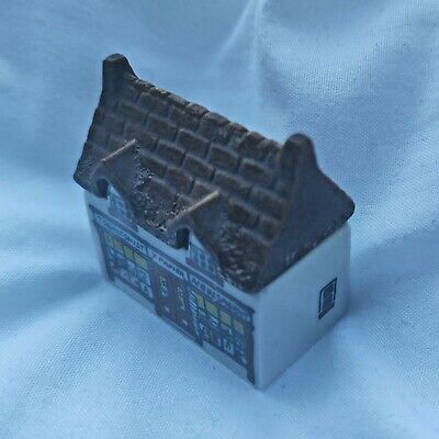 WADE Collectable 80s Mini Village House Whimsey On Why Tobacconist Shop No.4 • 19.50£