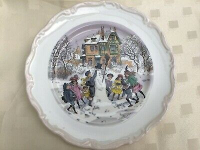 Signed Royal Vale Bone China Collectors Plate 10.5 Inches . • 6.99£