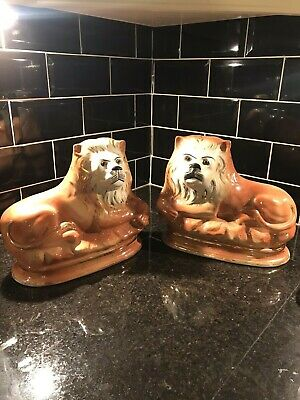 Pair Of Vintage Staffordshire Lions • 72.50£