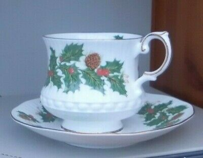 Vintage Queen's Rosina China 'yuletide' Christmas Holly Cup & Saucer 2 Avail • 11.99£