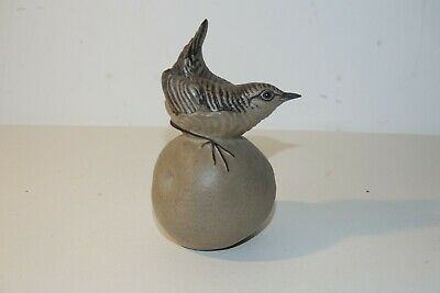 POOLE POTTERY ORNAMENTAL WREN On A APPLE VERY GOOD CONDITION • 3.50£