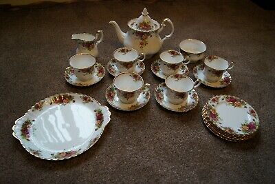 Royal Albert China 22 Piece Old Country Roses Tea Set Good Condition Small Fault • 99£