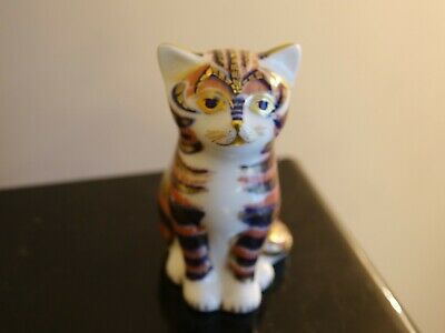 Royal Crown Derby Sitting Cat Paperweight Gold Stopper • 23£
