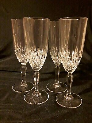 4 Crystal Champagne Flutes  • 11.50£