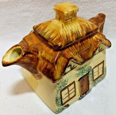Keele Street, St Pottery, Small Cottage Tea Pot, Hand Painted, Nice Condition • 9.75£