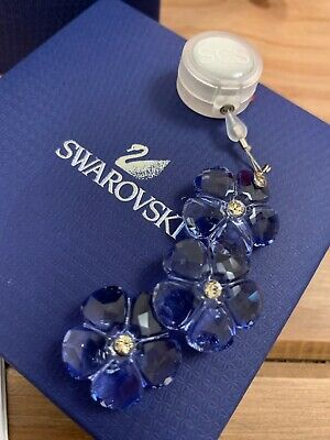 Swarovski Arctic Flower Mint Condition With Box And Sleeve DISCONTINUED #1055006 • 26.99£