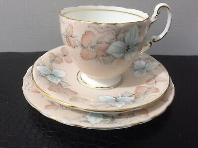 """Stunning Rare Vintage Aynsley Porcelain """"crillium"""" Cup Saucer And Side Plate • 9.99£"""