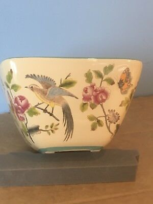 Highly Decorated Bowl With An Eastern Theme. Birds And Flowers. • 6£