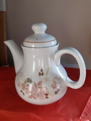 Boots Hedge Rose Teapot • 4.10£