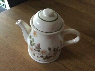 M&S Autumn Leaves Teapot • 5£