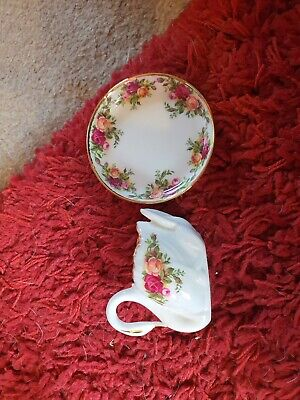 Royal Albert Old Country Roses, Small Fluted Trinket Dish And Small Swan • 4£