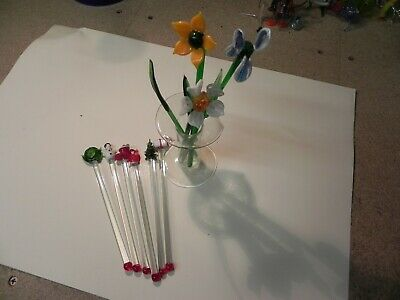 Pretty Glass Flowers In A Vase & 6 Glass Christmas Drinks Stirrers • 3.99£