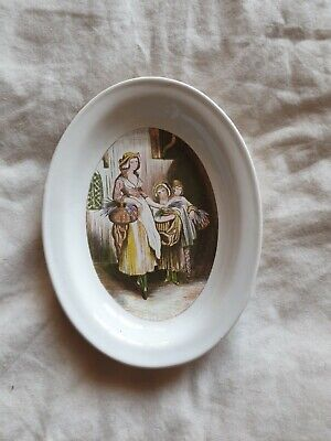 Unmarked Decorative Plate Ornament Ladys Lady Oval  • 5£