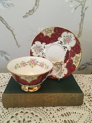 Queens Cabinet Duo Teacup Vintage English China  • 10£