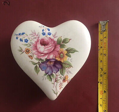 Axe Vale Pottery Pretty Heart Shaped Floral Trinket Box. VGC • 6.50£