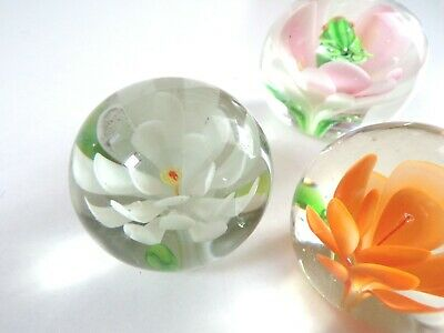 VINTAGE GLASS PAPERWEIGHTS ORCHID FLOWERS Orange PINK White - Beautiful LOT Of 3 • 15£